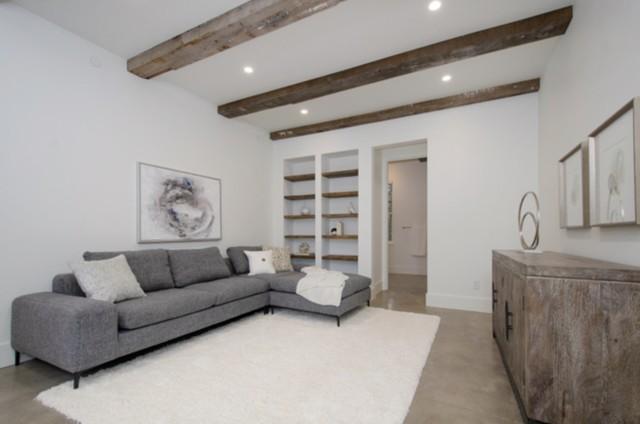 The Modern Farhouse Resort Master Suite
