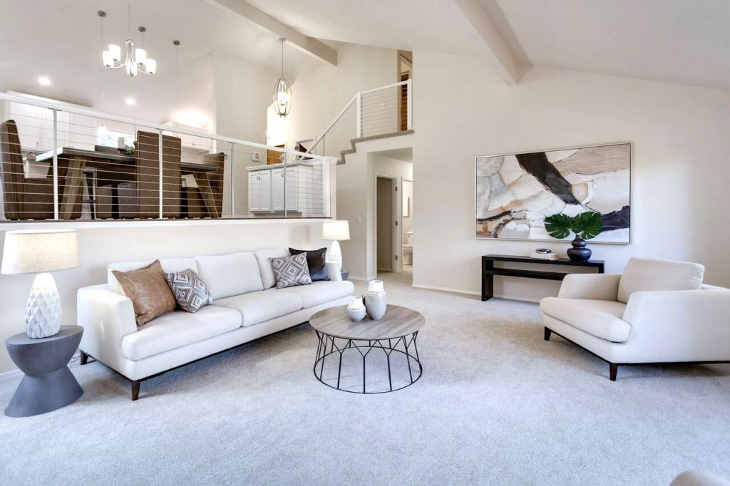 Living room environment plays a roll in home staging statistics