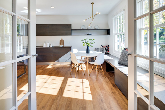 Portland's Forest Heights staging a kitchen nook