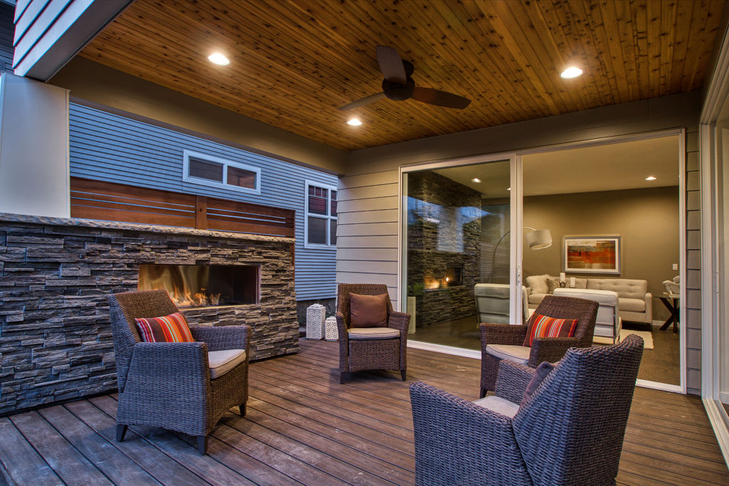 The Jersey Street home patio was inviting from both sides