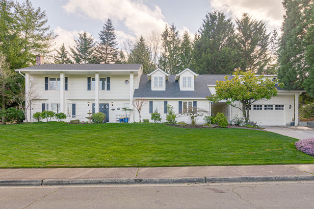 This Grand Colonial in Portland's Bull Mountain was a classic beauty
