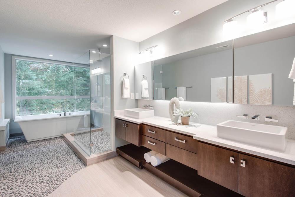 Upstairs Master bath